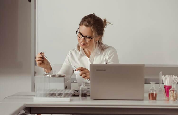 Sandir-escuela-online-curso-introducción-perfumería